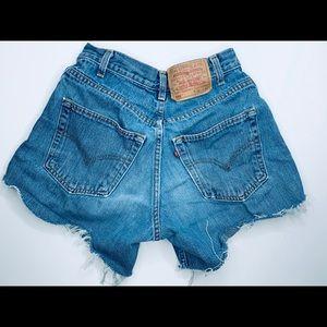 🌵🌞Vintage High-waist 560 Levi's Shorts. 🌵🌞